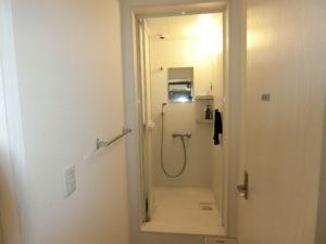 シャワー(各階1室)